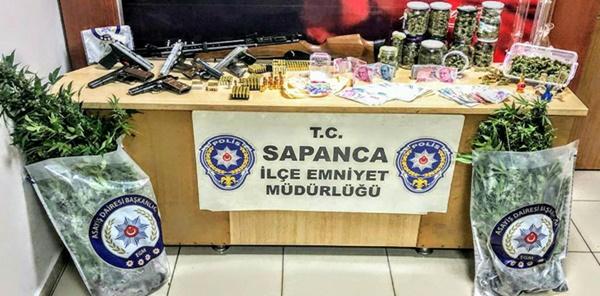 POLİS SAPANCA'DA UYUŞTURUCU OPERASYONU YAPTI